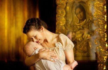 Благословіння матері – це те, що робить малюка невразливим і щасливим