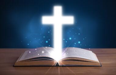Найсильніша молитва яка захистить вас від поганих людей