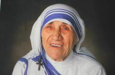 Поради Матері Терези, які повинен прочитати кожен