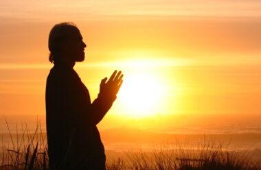 Ранкова молитва, яка допоможе пізнати сенс людського буття
