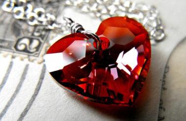 Притча про мудрого старця, крихкі подарунки і тендітне серце, яке дарують нам…