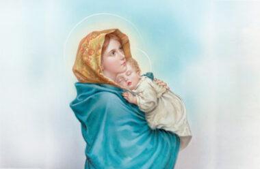 Особлива молитва матері, яку варто прочитати кожній жінці.