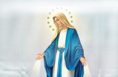 Сильна молитва до Пречистої Діви Марії, яку слід читати у четвер