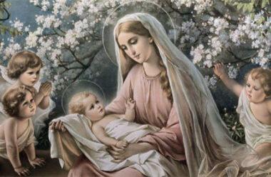 Надзвичайної сили молитва «Благословення матері». Вона є оберегом для ваших дітей.