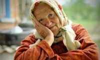 Бабуся розповіла, що ж таке щастя, насправді. Це варто знати усім.