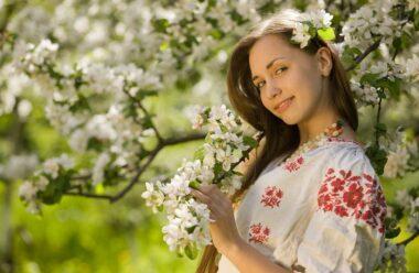 Весна і жінка — між собою схожі…