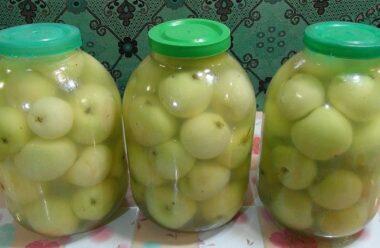 Мочені яблука в банках на зиму. Неймовірно смачно, готувати дуже просто.