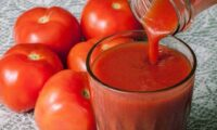 Неймовірно смачний домашній томатний сік на зиму. Один з кращих рецептів.