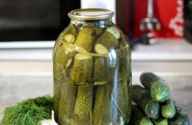 Традиційні солоні огірки на горілці. Особливий рецепт приготування.