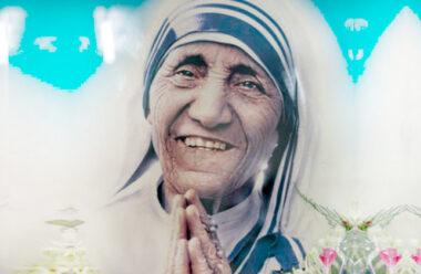 Молитва Матері Терези, яку має прочитати кожна жінка