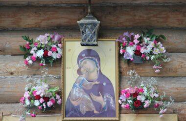 Молитва до чудотворної ікони «Вишгородська». Вона допомагає багатьом людям, читають її — 8 вересня.