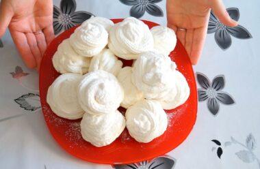 Ідеальний десерт «Зефір домашній». Виходить неймовірно смачним, діти його дуже люблять.