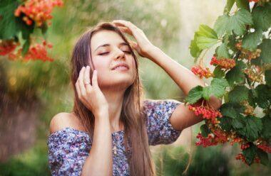 Мега позитивний вірш «Простіше Живіть». Якщо хочете мати гарний настрій, перечитуйте кожен день.
