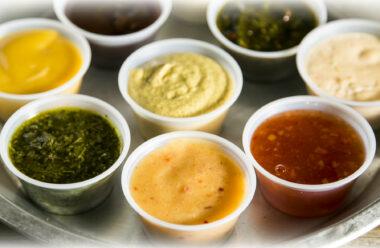 Домашні соуси, які набагато смачніші від майонезу та кетчупу, та прості в приготуванні.