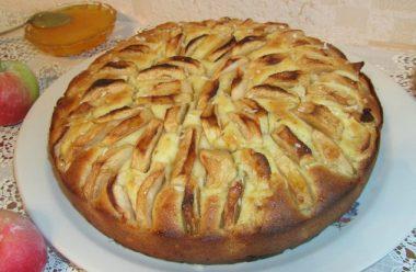 Домашній пиріг «Яблучний Спас». Його усі готують на 19 серпня