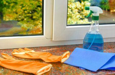 Рецепт засобу для миття вікон. Він покриває скло плівкою, яка захищає від бруду