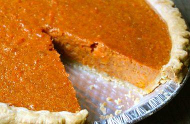 Морквяний пиріг, за цим рецептом має апетитний вигляд та дуже смачний
