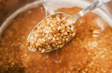 Як правильно варити гречку, щоб вона розсипалася та була смачною. Поради від досвідчених господинь