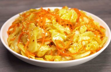 Хрумка та смачна капуста по-корейськи. З'їдають її за лічені хвилини